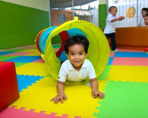 Play Volunteer with children under 5...